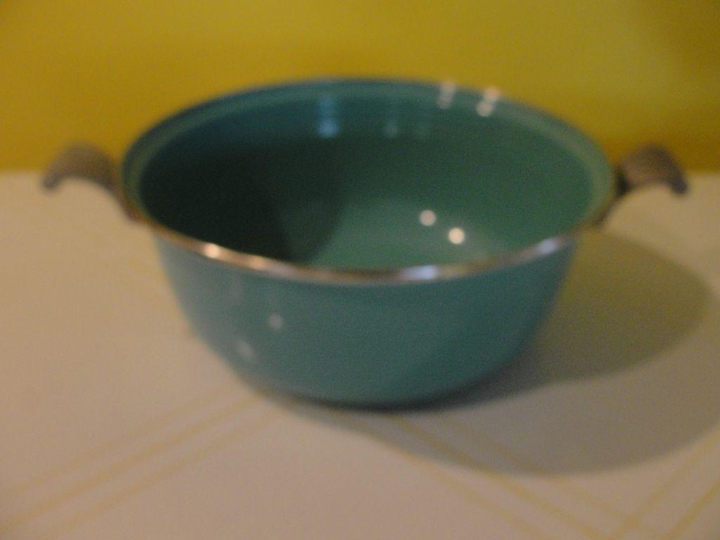 Fiesta Turquoise enamel Ware Round Pan