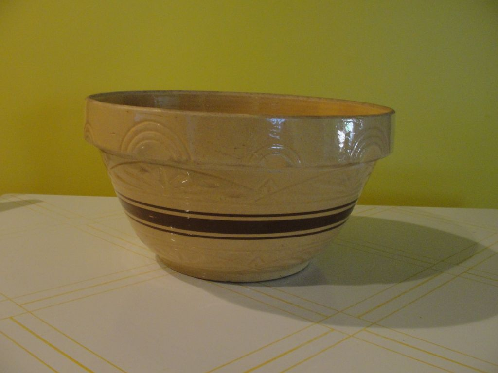 The Grandmother of all Bowls Robinson Ransbottom RRP Co. #305 14'' Brown Band Bowl
