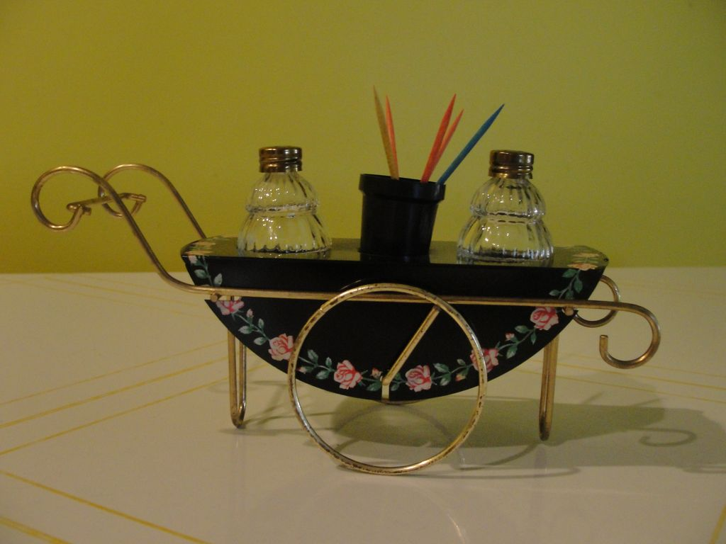 Tea Cart Salt and Pepper Shakers - b44
