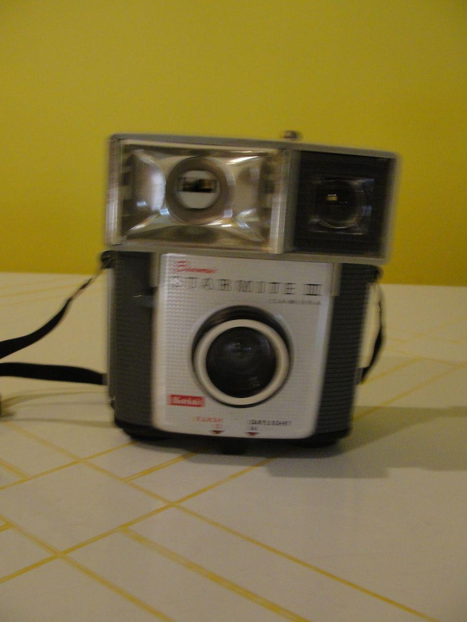 Kodak Brownie Starmite II Camera - b39