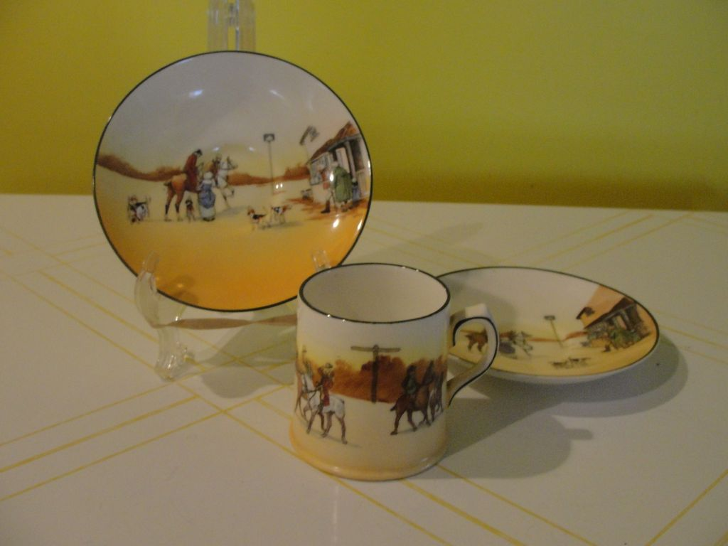 Royal Doulton ''Hunting'' Cup and Saucers - b38