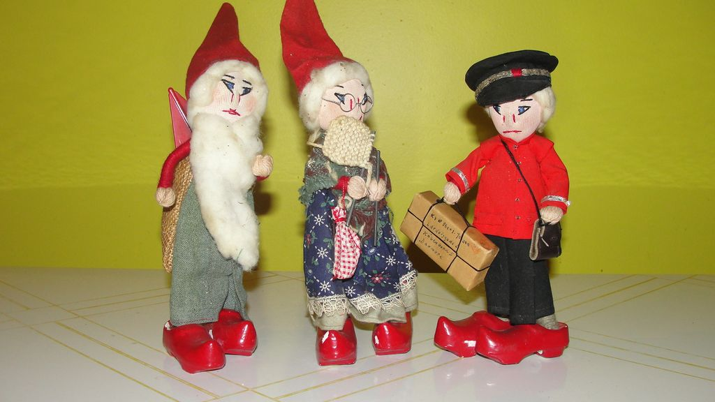 Danish Santa, Mrs Clause and Mailman Figures - b45
