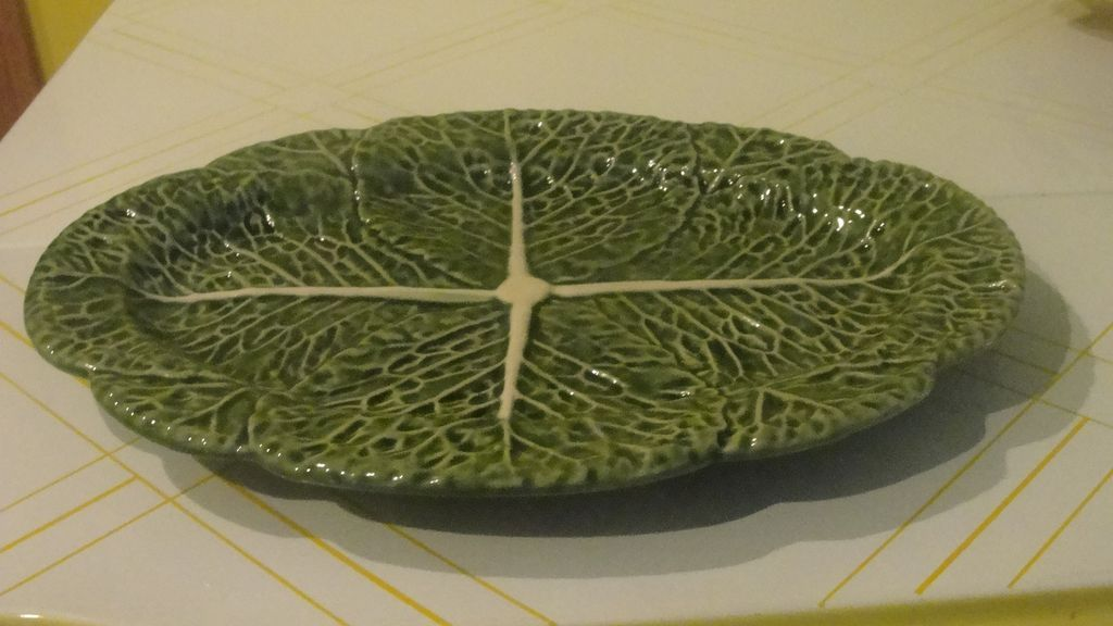 Bordallo Pinhiero Green Cabbage Oval Serving Platter
