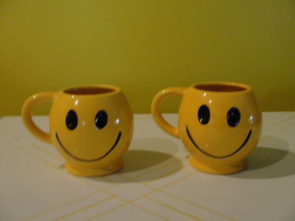 McCoy Smiling Face Mug - b35 - b59