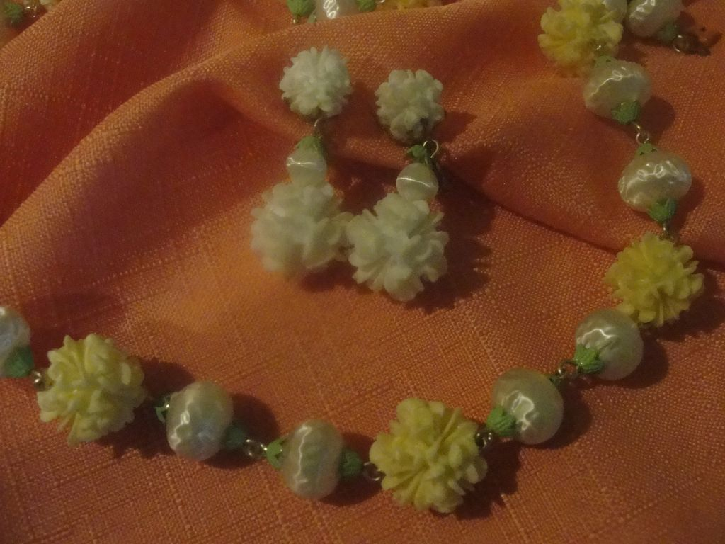 Yellow and White Bead Necklace with Clip-on earrings - free shipping