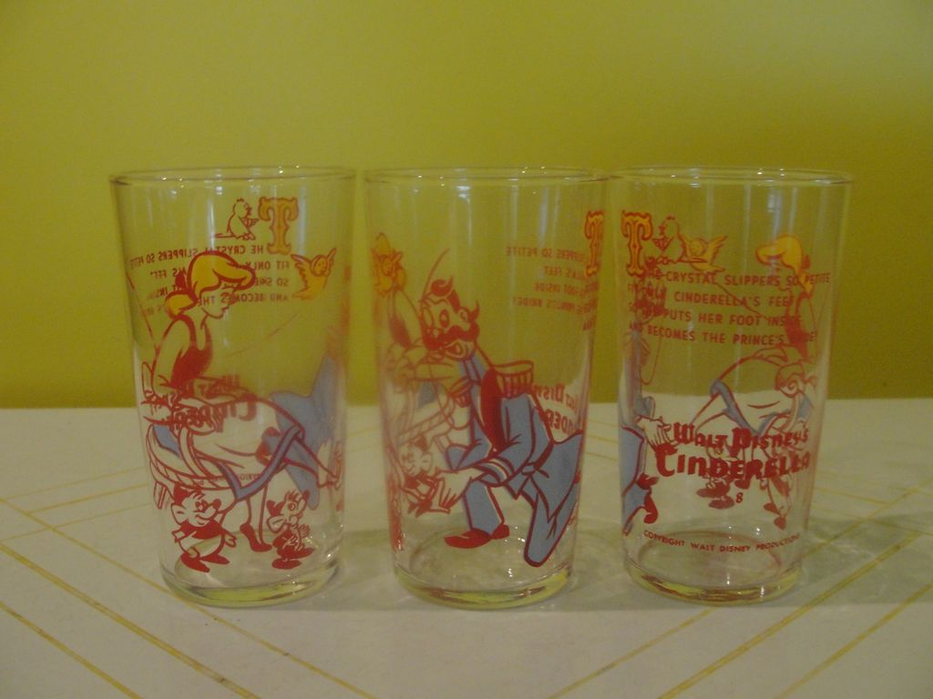 Walt Disney Cinderella with Footman Glasses