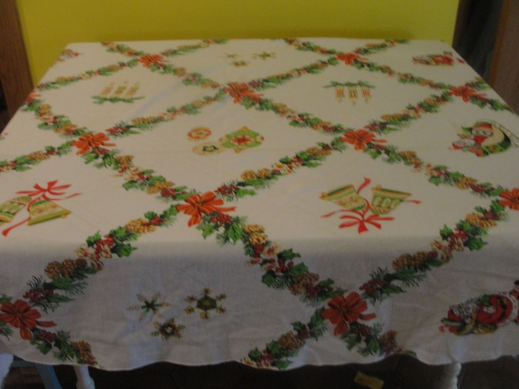 Everything Christmas Oval Tablecloth