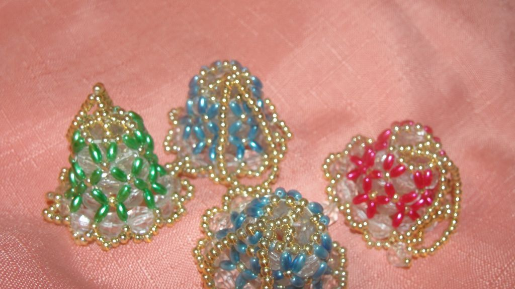 itty bitty beaded bells tree ornaments from