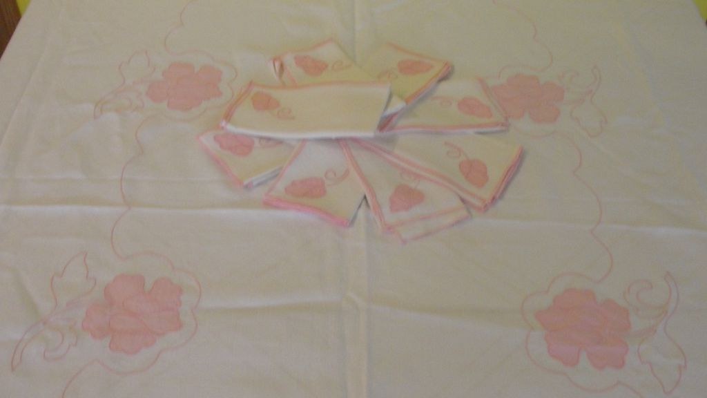 Applied Pink Flower Tablecloth and Napkins