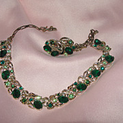 Green with Envy ''Star'' Necklace and Screw Back earrings - Free shipping