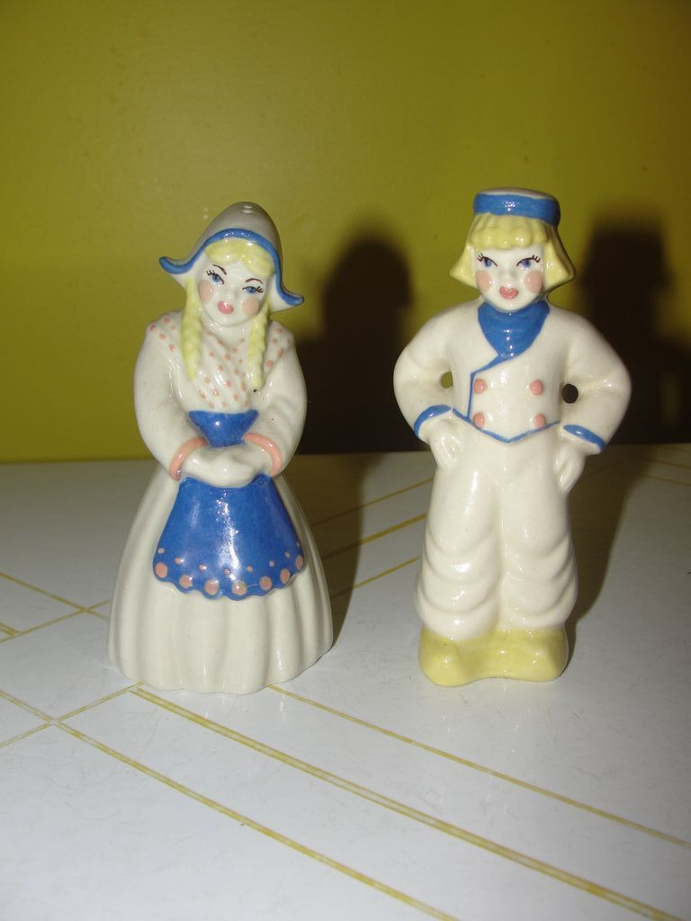 Ceramic Arts Dutch Couple Salt and Pepper Shakers - b127