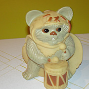 Lucasfilm Ltd. 1983 Return of the Jedi Wicket the Ewok Bank - b130