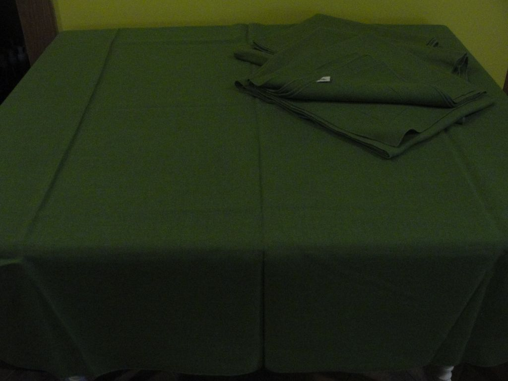 Vera Linen Blend Tablecloths - b135
