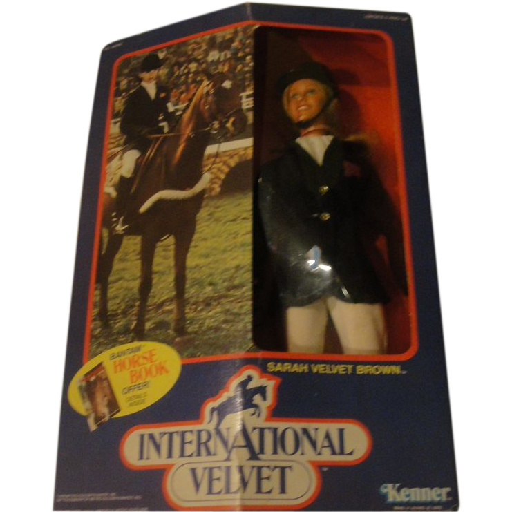 Sarah Velvet Brown Kenner International Velvet Doll - b154