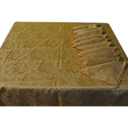 Powder Puff Pink Tablecloth and Napkins - b168