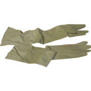 Softly Supple Long White Leather Gloves - Free shipping - b163