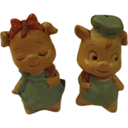 Little Pigs Salt and pepper Shakers - b166