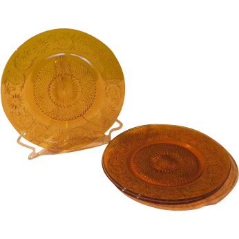 Amber Daisy - Indiana Glass - #620 Dinner Plates - g