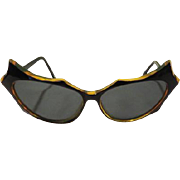 Fantastic French Frame Sunglasses - b63