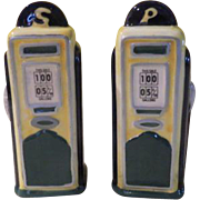 Gas Pump Salt and Pepper shakers - b178