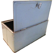 Bread Box/safe with Turn Latch - g