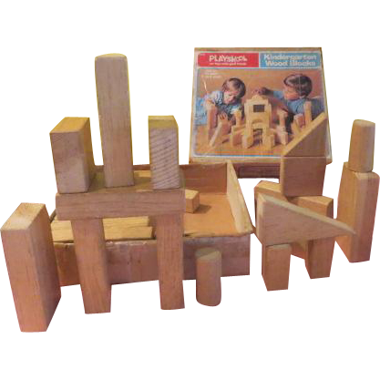 Playskool Kindergarten Wood Blocks in Box - b209