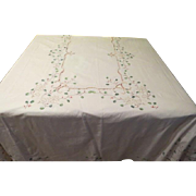 Embroidered Holly and Berries Tablecloth - X - 16 - 4