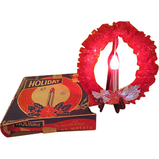 """Holiday """"Sparkling Cellophane Wreath'' in Box - b208"""