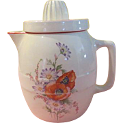 Universal Pottery ''Poppy'' Pitcher with Juicer - b197