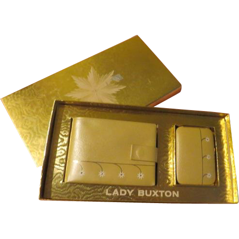 Lady Buxton Petite Fleur Wallet and Key ring in Box - b210