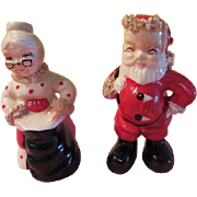 Mrs Clause Holding the Bag Salt and Pepper Shakers - b205
