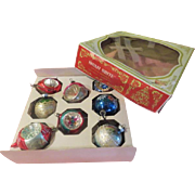 Indents and Rounds Christmas Tree Ornaments in Box - B207