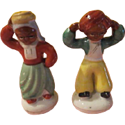 Blackmoor Couple Salt and Pepper Shakers - b211