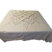 Wispy Embroidered Flower Tablecloth and Napkins - b211