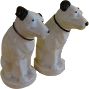 His Master's voice rCA Victor Salt and Pepper Shakers - b213
