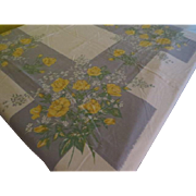 Yellow Roses on gray Tablecloth - L9