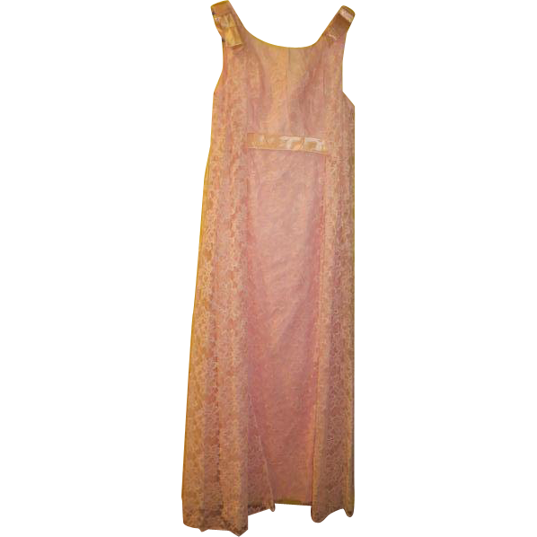Pastel Pink Lace Cage 60's Prom dress
