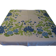Bountiful Blue Flower Border Tablecloth - b201