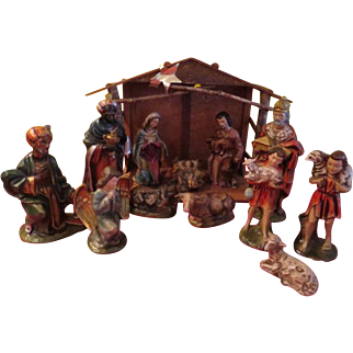 X-Large Nativity with Stable/creche