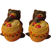 Bears with Picnic Baskets Salt and Pepper Shakers - b229