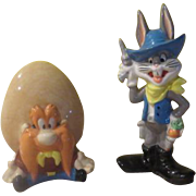 Bugs Bunny and Yosemite Sam Salt and Pepper Shakers - b245