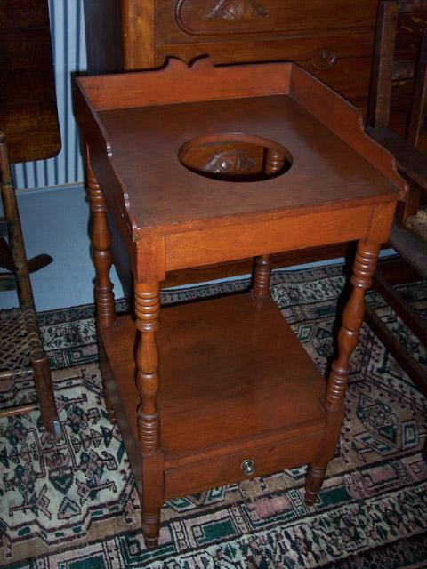American Federal Sheraton Walnut Wash Stand