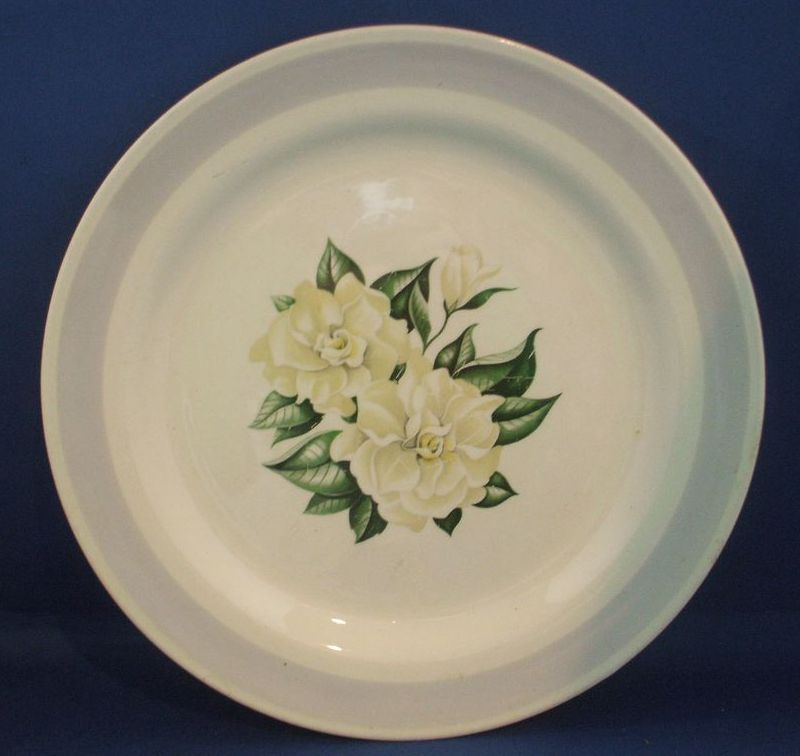 Homer Laughlin Magnolia Eggshell Nautilus Dinner Plate