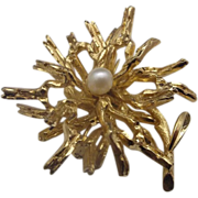 Grosse 1966 Germany Gold Tone Faux Pearl Pin Flower