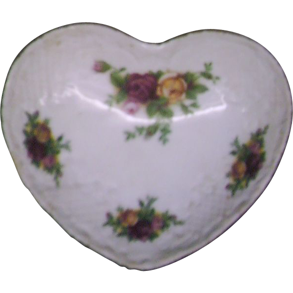 Royal Albert Old Country Roses Heart Shaped Trinket Box