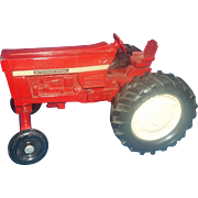 ERTL International Harvester Red Tractor 1970s Die Cast 1/32 Scale