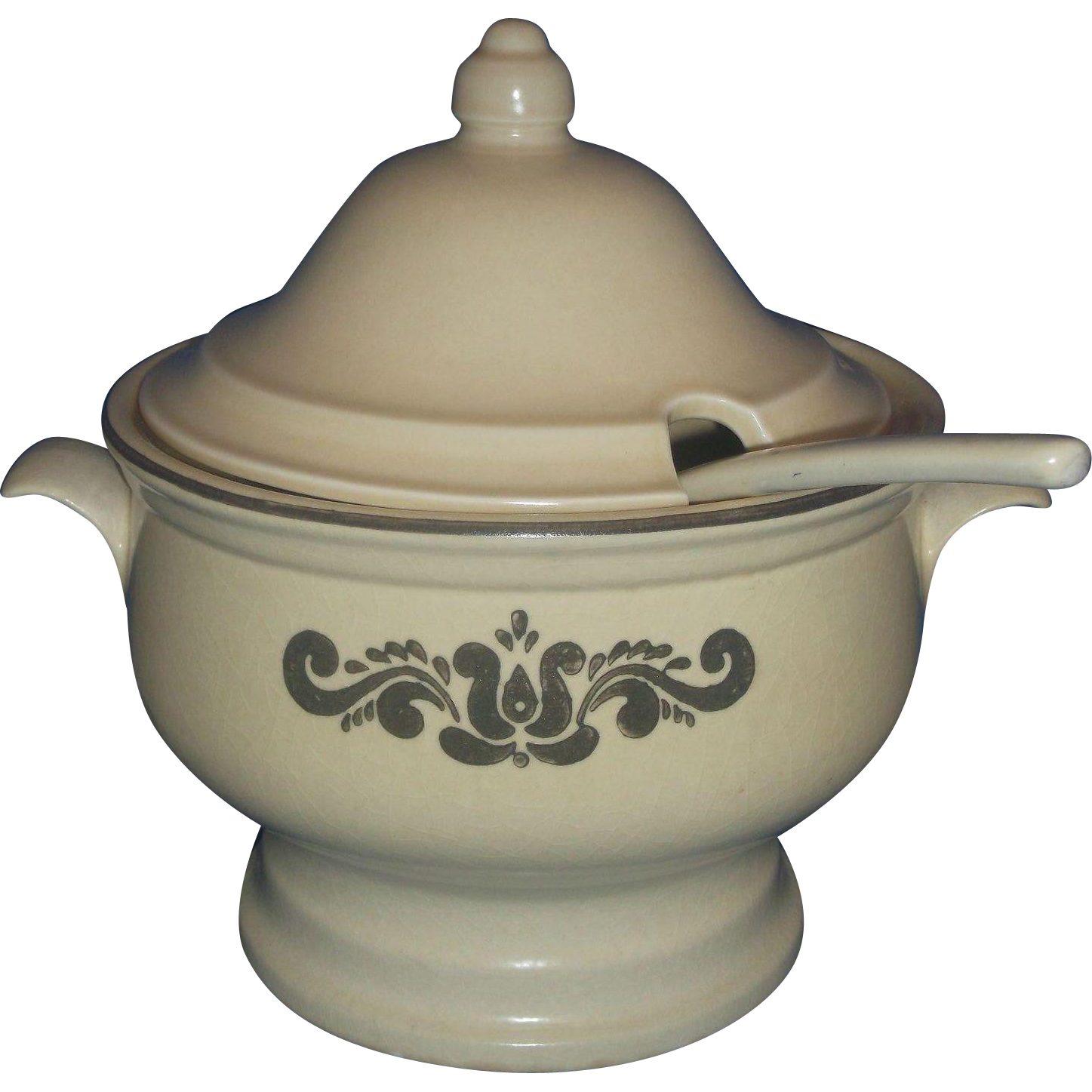 Pfaltzgraff Village Soup Tureen With Ladle