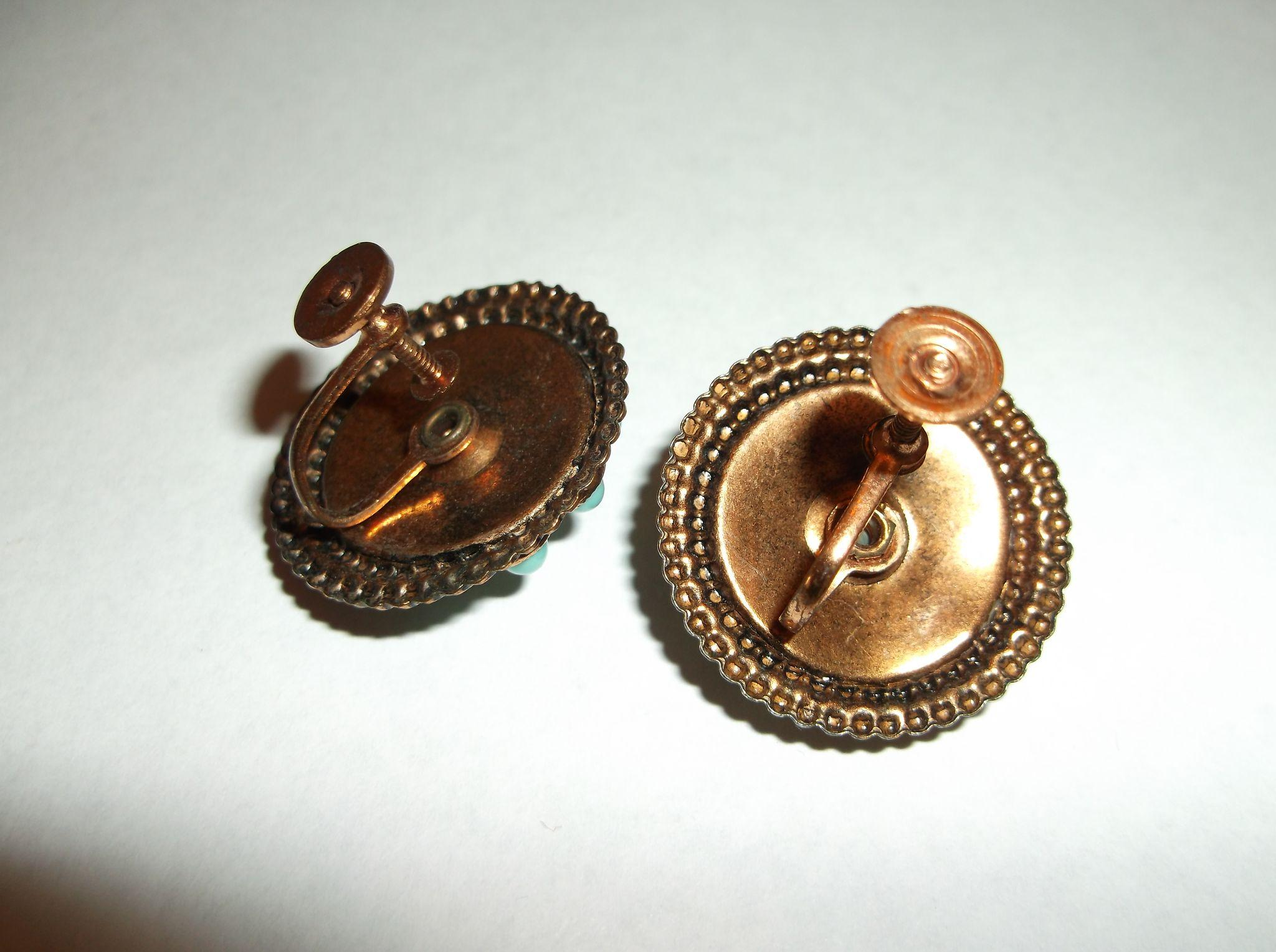 Cabs In South Bend >> Copper Circle Screwback Earrings Turquoise Plastic Pear Round Cabs from hoosiercollectibles on ...