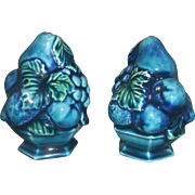 Inarco Mood Indigo Blue Green Fruit Grapes Salt Pepper Shakers Pair Japan