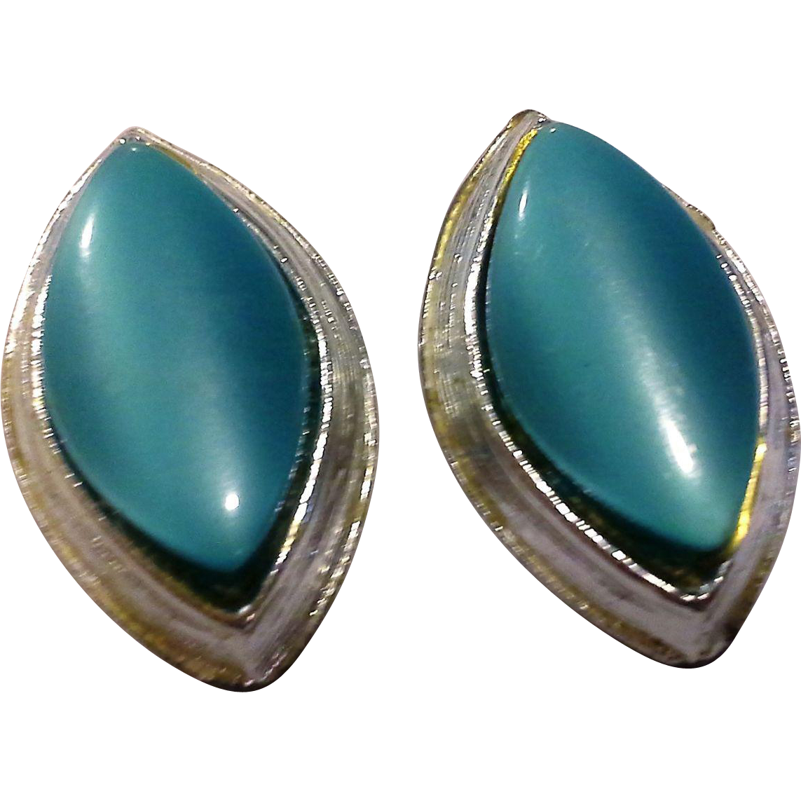 Turquoise Thermoset Lucite Marquis Silver Tone Clip Earrings